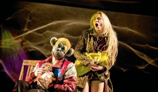 Going. | Szczury - Teatr Powszechny