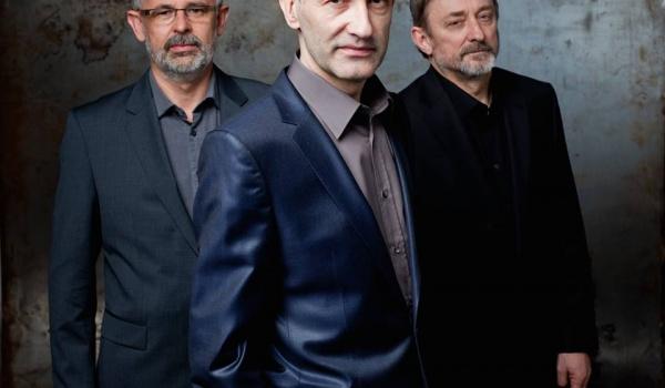 Going. | STRASZNI PANOWIE TRZEJ - Teatr Muzyczny ROMA