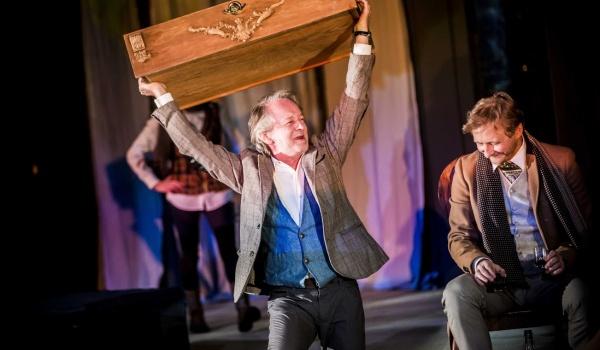 Going. | Wiśniowy sad - Teatr Studio