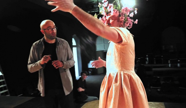 Going. | Poskromienie złośnicy - Teatr Bagatela - Duża Scena