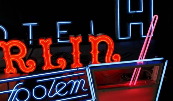 Going. | Neon Muzeum - Soho Factory