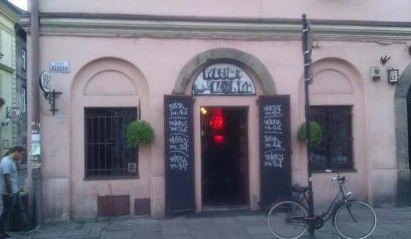 Going. | Euro w Klubie Wódki - Klub Wódki