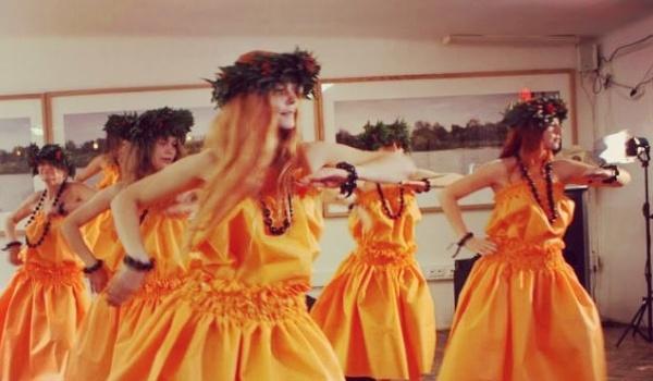 Going. | Pokaz Etnicznych Pieśni i Tańców - Muzeum Azji i Pacyfiku