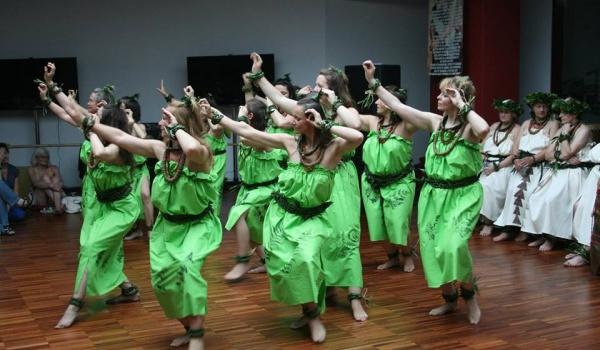 Going. | Taniec Hula ?Auana - Muzeum Azji i Pacyfiku