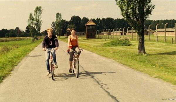 Going. | A na koniec przyszli turyści - Kino Pod Baranami