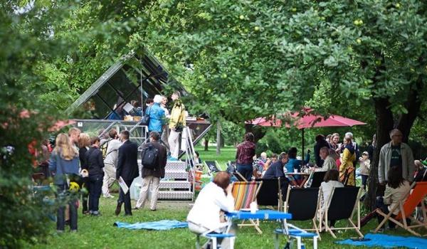 Going. | Piknik na Bródnie. Spacer z przewodnikiem i warsztaty dla dzieci. - Park Rzeźby na Bródnie, Bródno Sculpture Park