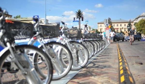 Going. | Wycieczka rowerowa śladami warszawskich wałków - Kamienica Noakowskiego 16