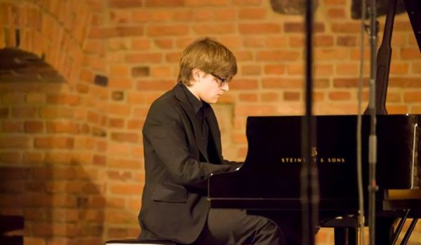 Going. | Time For Chopin: Edwin Szwajkowski