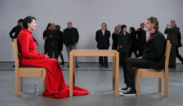 Going. | Marina Abramovic. Artystka Obecna - Odra-Pany