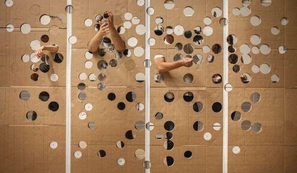 Going. | Jeden gest - Nowy Teatr, Hala Warsztatowa