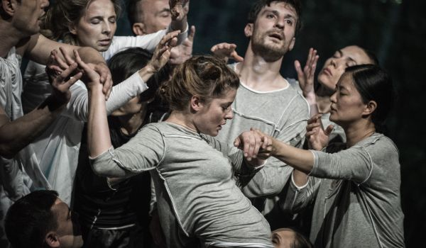 Going. | Noc teatrów: Dekalog - Narodowy Stary Teatr - Scena Kameralna