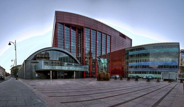 Going. | Noc teatrów: Dwie Historie - jeden Taniec (Inwokacja) - Opera Krakowska