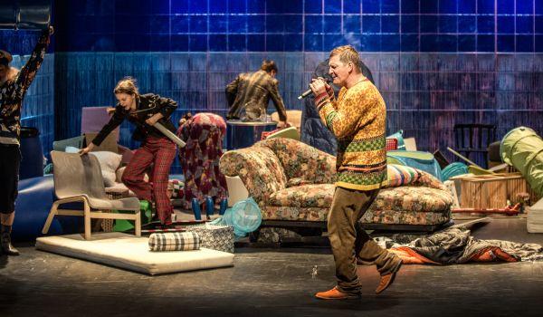 Going. | Wróg Ludu - Narodowy Stary Teatr