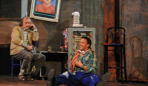 Going. | Kogut w rosole - Teatr Rozrywki w Chorzowie - Duża Scena