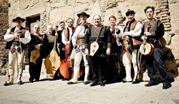 Going. | Kolektyw Europa: Trebunie Tutki i Urmuli Quintet / Kalakan - Namiot Festiwalowy pod PKiN od ul. Świętokrzyskiej