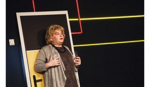 Going. | Pomoc domowa - Teatr Powszechny w Łodzi - Mała Scena