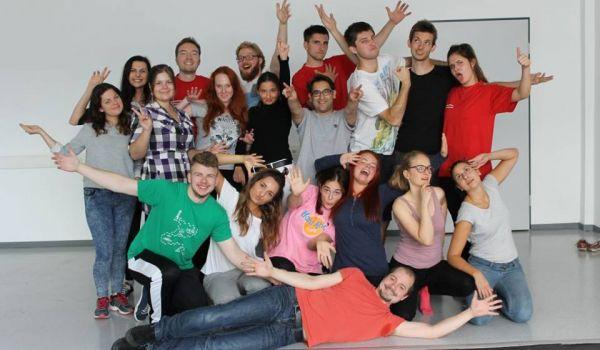 Going. | Polsko-niemieckie improwizacje sceniczne - Klub Studencki Żaczek