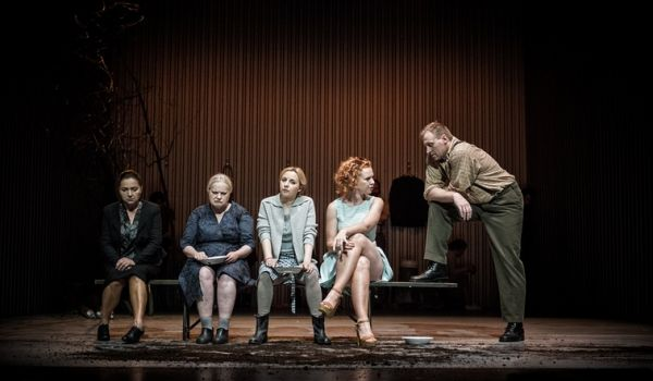 Going. | Sceny myśliwskie z Dolnej Bawarii - Teatr Polski w Poznaniu