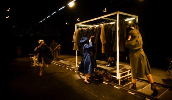 Going. | Festiwal Dramatu 2016 - Dzień 1 - Wrocławski Teatr Współczesny