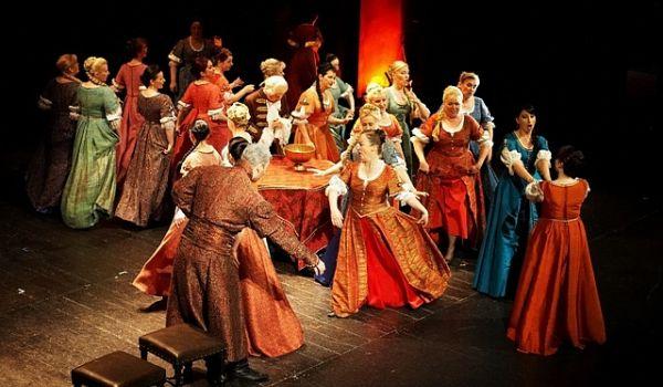 Going.   Straszny dwór - Opera Krakowska