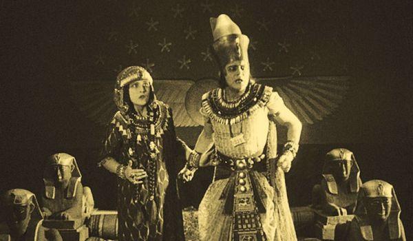 Going.   Żona faraona - Kino Pod Baranami