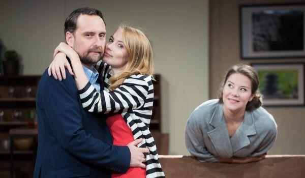 Going. | Pomoc Domowa - Teatr Bagatela - Duża Scena