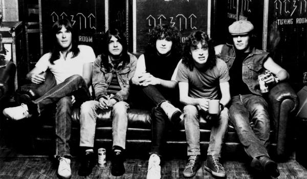 Going.   Dobry Roc(k)znik - AC/DC - Sopoteka