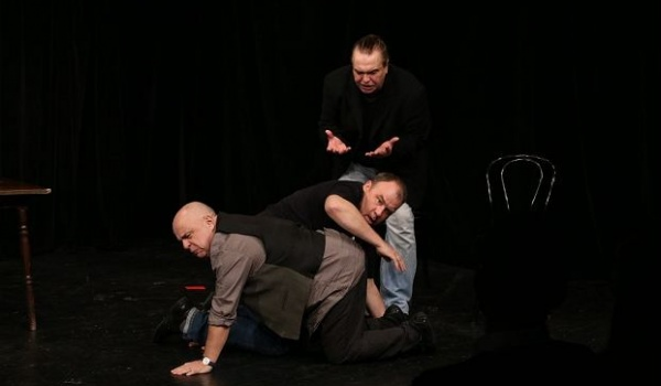 Going. | Scenariusz dla trzech aktorów - Teatr Korez