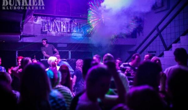 Going. | Pewex Bunkier / Sylwester 2016 w Klimacie Polskich Dancingów - Bunkier Club