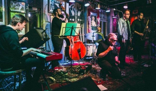 Going. | Marcin Świetlicki i Zgniłość grają jazz - Sala Gotycka w Starym Klasztorze
