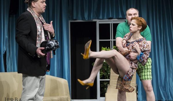 Going. | Miłość i polityka - Teatr Korez