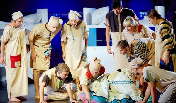 Going. | Alicja W Krainie Czarów - Teatr im. Hansa Christiana Andersena