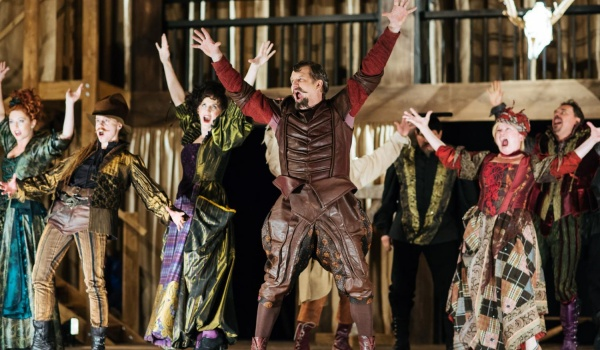 Going. | Wesołe Kumoszki z Windsoru - Gdański Teatr Szekspirowski