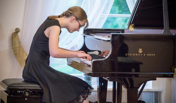 Going. | Maria Moliszewska - koncert chopinowski - Klezmer Music Venue