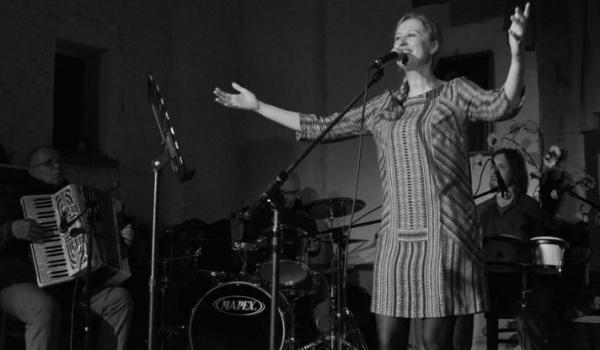 Going. | Agnieszka Banaś z zespołem i Manat Solo