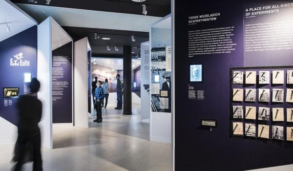 Going. | Oprowadzanie Kuratorskie: Gdynia - Dzieło otwarte - Muzeum Miasta Gdynia