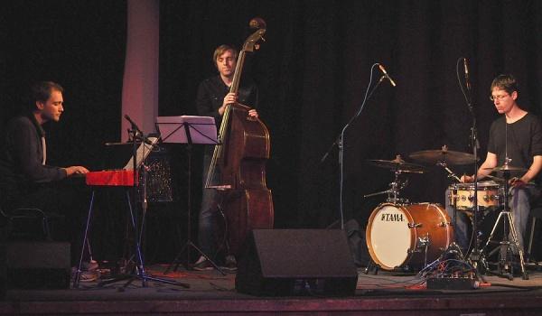 Going. | Jan Kavka Trio