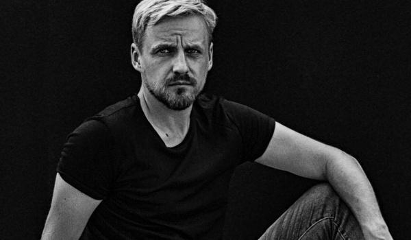 Going. | Paweł Domagała