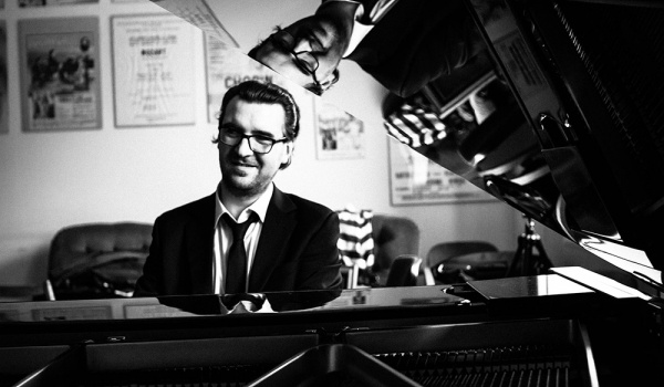 Going. | Krzysztof Dys Trio - 12on14 Jazz Club