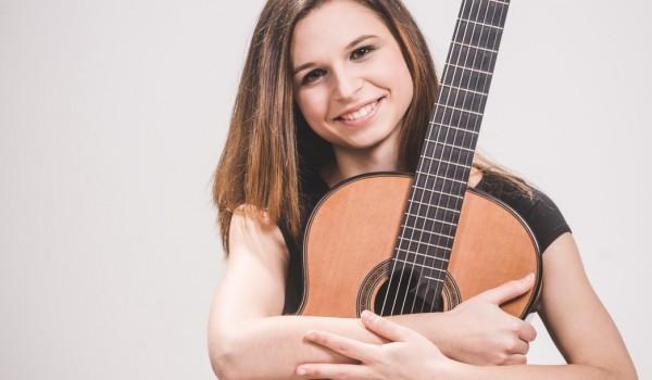 Going. | Akademia Gitary: Bianka Szalaty