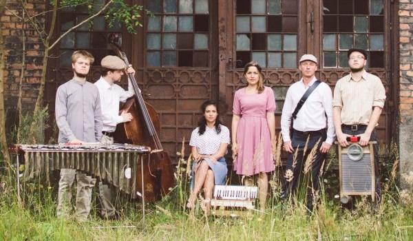 Going. | Warszawska Orkiestra Sentymentalna, Adam Strug i Kompania, Kapela ze Wsi Warszawa i muzycy Mazowsza - Namiot Festiwalowy przed PKiN