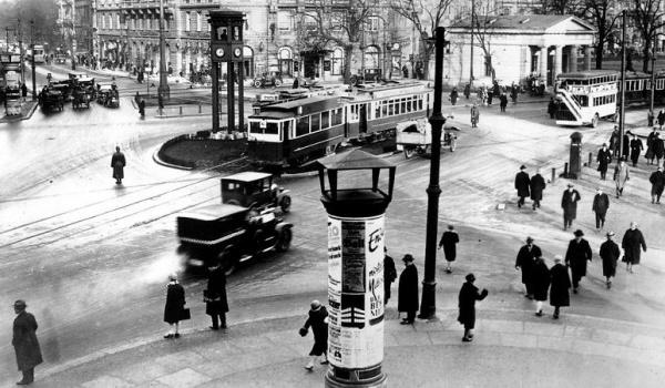 Going. | Koncert do filmu niemego: Berlin, symfonia wielkiego miasta