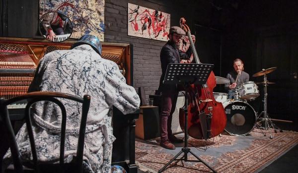 Going.   Johnny Mazur Trio