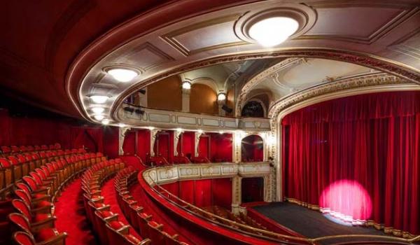 Going. | Teatr Forum - Twórcze warsztaty dla dorosłych - Fabryka Sztuki w Łodzi