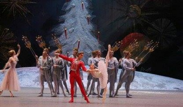 Going. | Bolshoi Ballet: Dziadek do orzechów - Kino Muranów