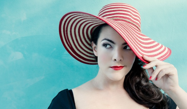 Going. | Caro Emerald Official Event