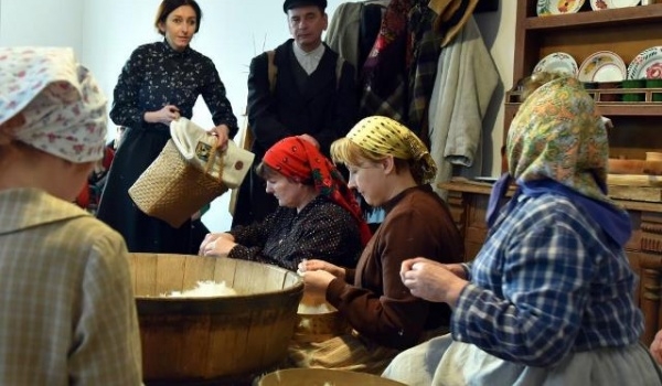 Going. | Pierzak - Muzeum Wsi Lubelskiej