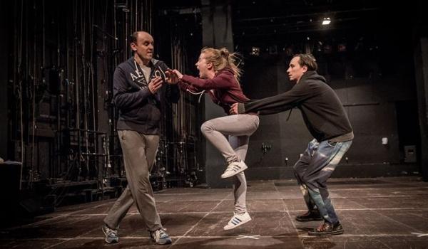 Going. | Ewelina płacze - Teatr Polski w Bydgoszczy