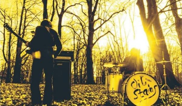 Going.   Oil Stains - power duo na małej scenie - Estrada Stagebar