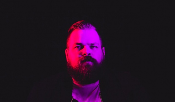 Going. | WWW2018: Com Truise